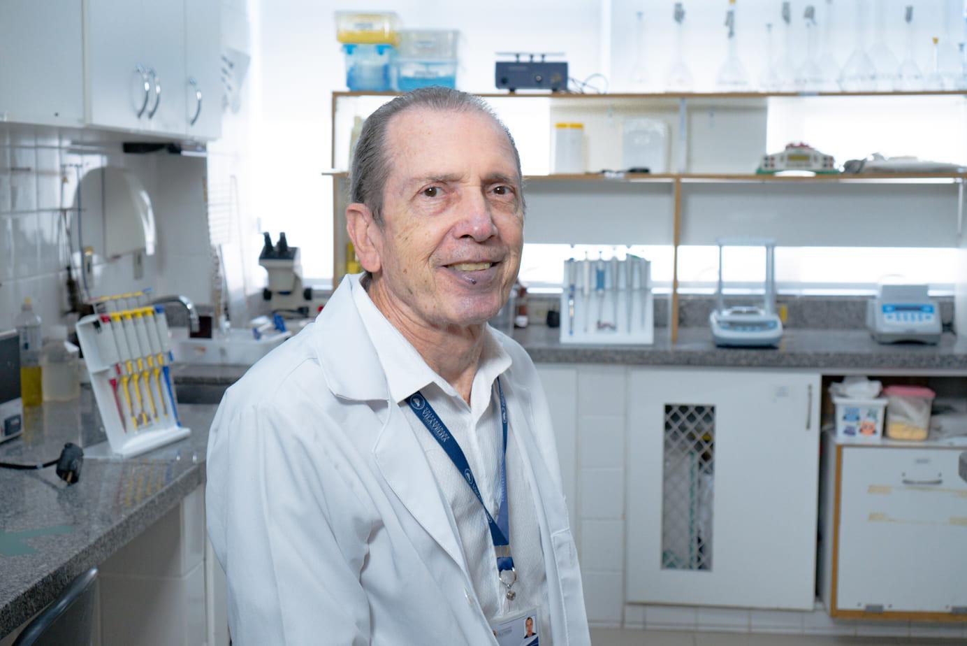 Prof Elisardo Vasques é um dos 5% que venceu o câncer da cabeça do pâncreas.